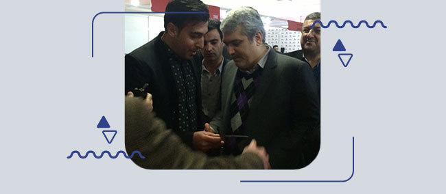 بازدید-معاون-فناوری-ریاست-جمهوری-از-غرفه-سامانه-همیاب-۲۴-در-الکامپ-۲۰۱۵