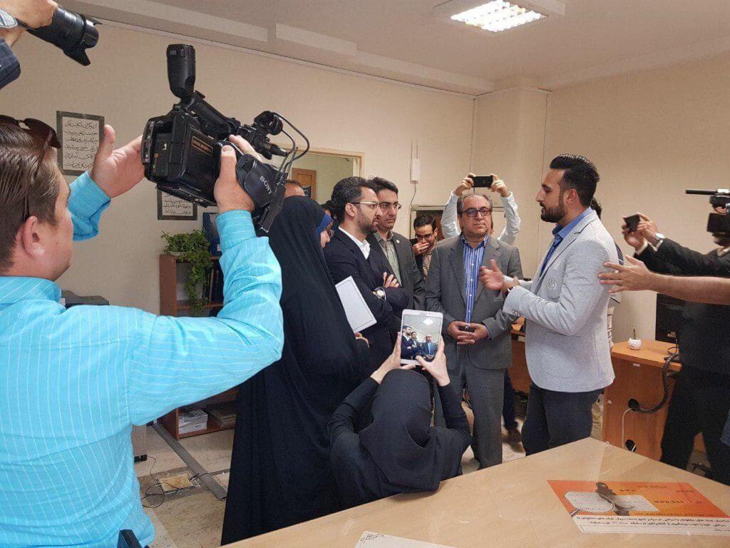 بازدید وزیر محترم ارتباطات جناب اقای مهندس اذری جهرمی از سامانه همیاب 24